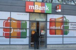 """UOKiK: """"mBank z kar� 6,5 mln z�"""". Musi te� zwr�ci� klientom pieni�dze. Chodzi o kredyty frankowe"""