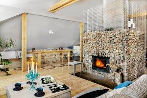 Mieszkanie zaaran�owane wok� kominka