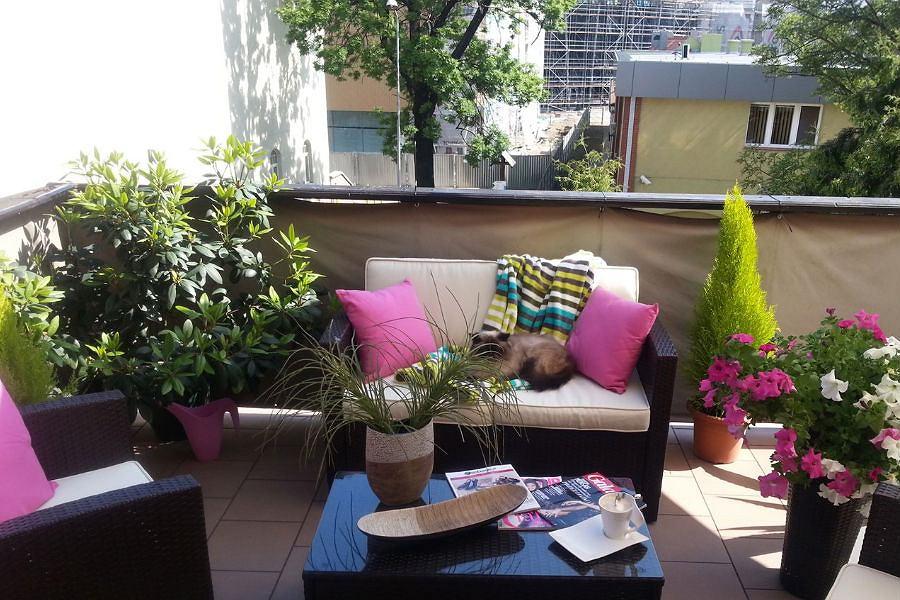balkon jako mini salon jak urz dzi. Black Bedroom Furniture Sets. Home Design Ideas