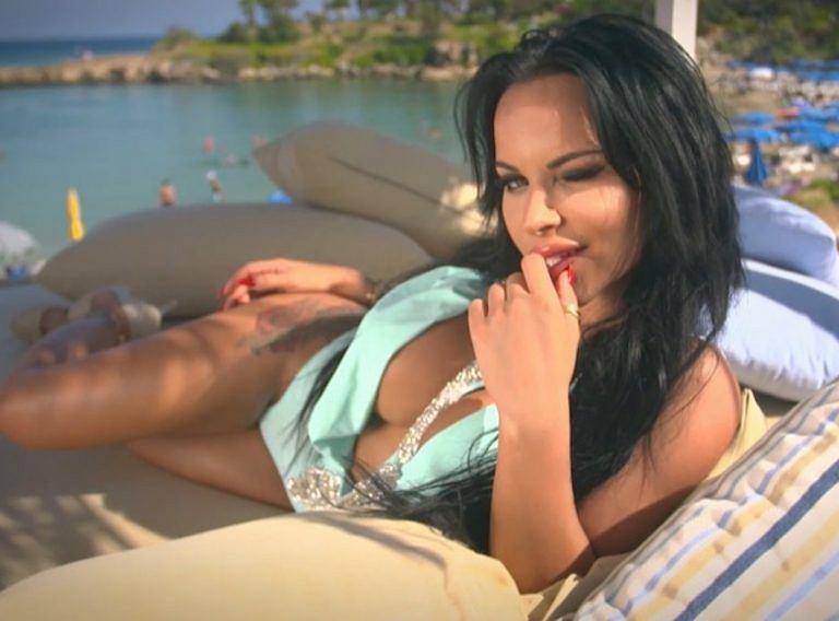 Monika 'Esmeralda' Godlewska w 'Ex na plaży'