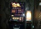 Nielegalne automaty do gier <strong>w</strong> lokalu <strong>w</strong> centrum Kielc. Policja: &quot;Mogłyby być tylko <strong>w</strong> kasynie z koncesją&quot;