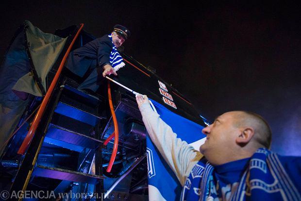 Zdjęcie numer 9 w galerii - Lech Poznań ma już swoją lokomotywę. Parowóz stanął przed stadionem przy Bułgarskiej