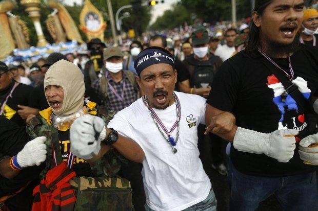 Tajlandia: 1000 antyrz�dowych demonstrant�w okupuje Ministerstwo Finans�w