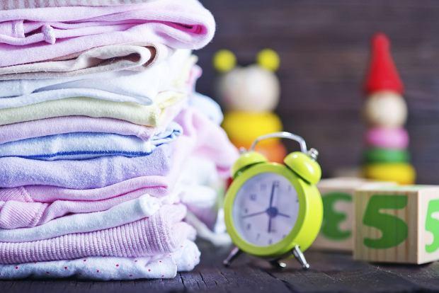 Wyprawka dla noworodka to wyzwanie dla przysz�ych rodzic�w: co trzeba kupi� przed porodem, a o co mo�emy zadba� p�niej? Podpowiadamy, co powinno znale�� si� na li�cie.
