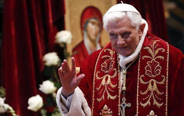 Tajemnica abdykacji papie�a! To podobno nie choroba, ale...