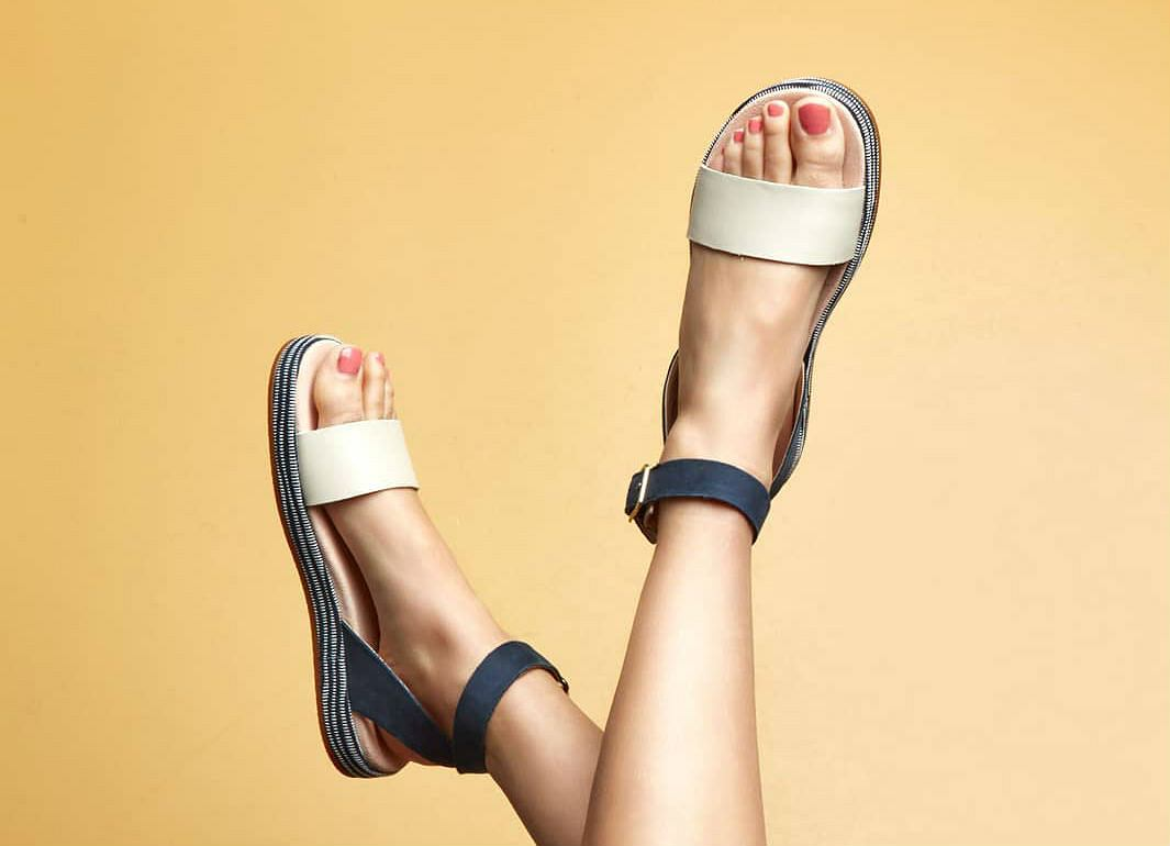 1512bef6019a4 Wygodne i stylowe sandały na upały. Wiele modeli kupisz taniej!