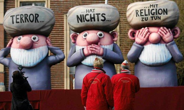 Karnawa� w Niemczech to nie Rio. Zamiast p�nagich tancerek... terroryzm i Putin