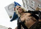 K��tnia na Marszu Szmat. Nie spodoba�a si� dziewczyna z FEMEN-u [ZDJ�CIA, WIDEO]