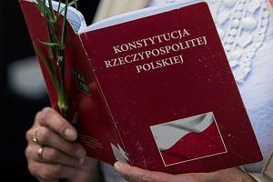 Prezydent Krakowa zaapeluje do szkół w sprawie wywieszania preambuły