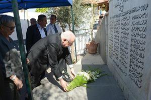 Żydzi ciągle przepraszają za zbrodnię sprzed 62 lat. I nie muszą wstawać z kolan