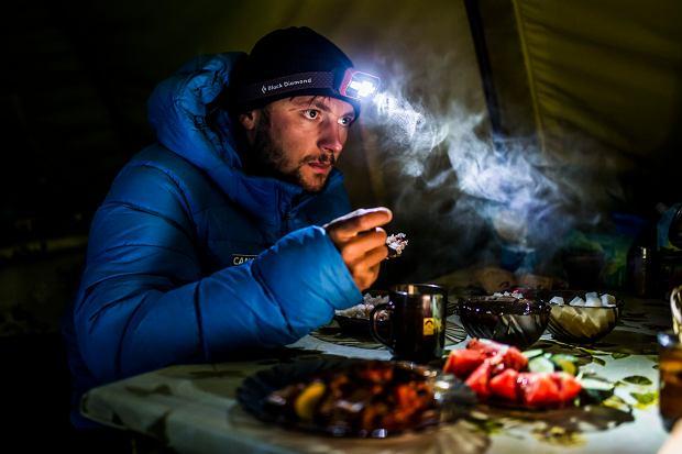Koniec wyprawy Andrzej Bargiela na K2. Spadające kamienie zawróciły polskich himalaistów