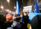 """""""Hej soko�y"""" od�piewali pod ambasad� Ukrainy [WIDEO]"""
