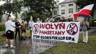 Manifestacja pod konsulatem Ukrainy