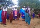 Masajowie na motorach, czyli jak zmienia si� �ycie rdzennych lud�w Afryki [ZDJ�CIA]