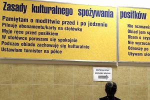 Modlitwa w szkolnej sto��wce. Fundacja apeluje do premiera