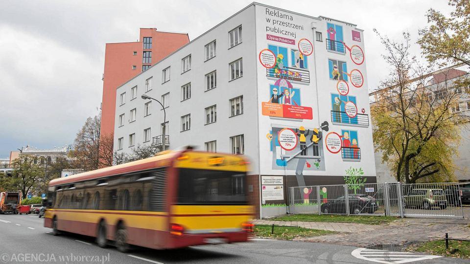 Nietypowy mural na powi lu 39 raport jakiego wiat nie for Mural ursynow