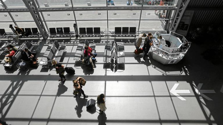Rozbudowa lotniska w Modlinie ma pozwolić na obsługę nawet 15-17 mln pasażerów rocznie