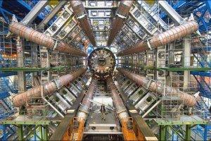 Chiny zbudują gigantyczny akcelerator cząstek - dwa razy większy od Wielkiego Zderzacza Hadronów