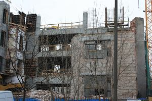 Stara willa na Mokotowie: burzą czy tylko przebudowują?