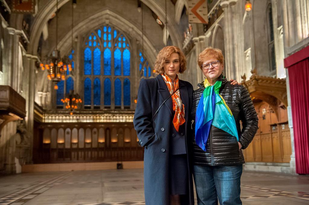 Prof. Deborah Lipstadt (z prawej) i wcielająca się w jej rolę w filmie ''Kłamstwo'' Rachel Weisz (fot. materiały prasowe)
