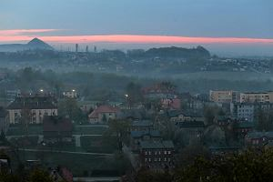 Nadeszła jesień, wróci smog? Miasta szykują się do walki