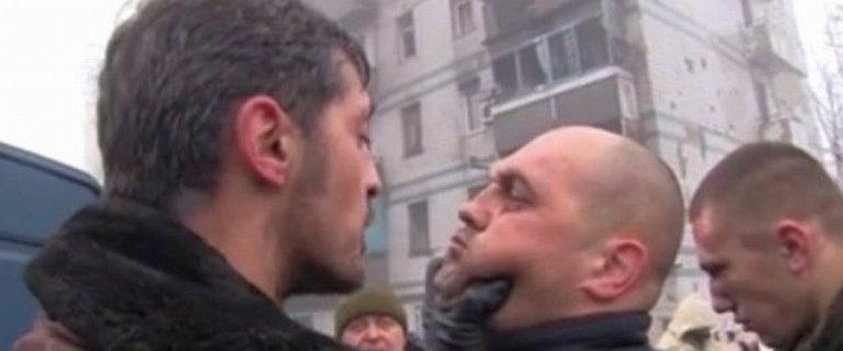 Ten film m�wi o brutalno�ci wojny na Ukrainie wi�cej ni� wszystkie teksty. Tak rosyjscy separaty�ci zn�caj� si� nad ukrai�skimi je�cami