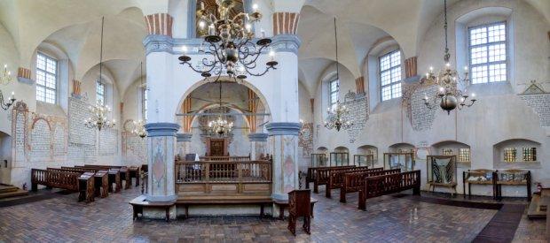 http://bi.gazeta.pl/im/8d/94/12/z19481229Q,Synagoga-w-Tykocinie.jpg
