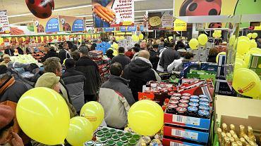 Boom w zakupach spożywczych. Ale akurat Biedronce ma już tak nie rosnąć
