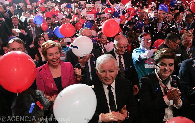Zdjęcie numer 3 w galerii - Kaczyński: Ogórek to jedyna licząca się kobieta w kampanii. A Grodzka? Proszę mnie zwolnić od komentarza