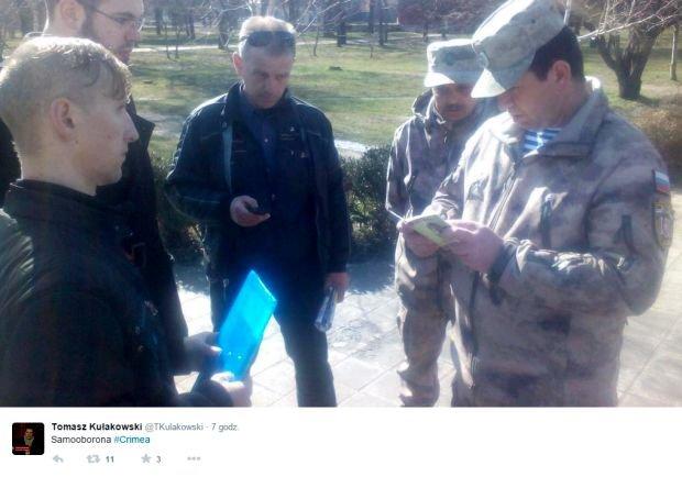 Polski dziennikarz zatrzymany na Krymie przez rosyjsk� samoobron�