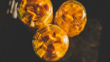 Dynia marynowana to jeden z lepszych sposobów na wykorzystanie nadmiaru warzywa o złocistym miąższu