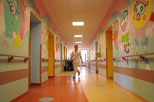 3-letnia Lenka zmar�a w szpitalu w Olsztynie. S� wyniki sekcji zw�ok: przyczyn� �mierci sepsa