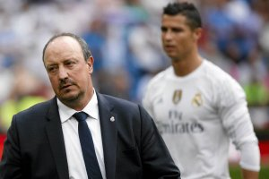 Real - Barcelona. Zaskakuj�ce spotkanie przed El Clasico. Pi�karze namawiaj� Beniteza