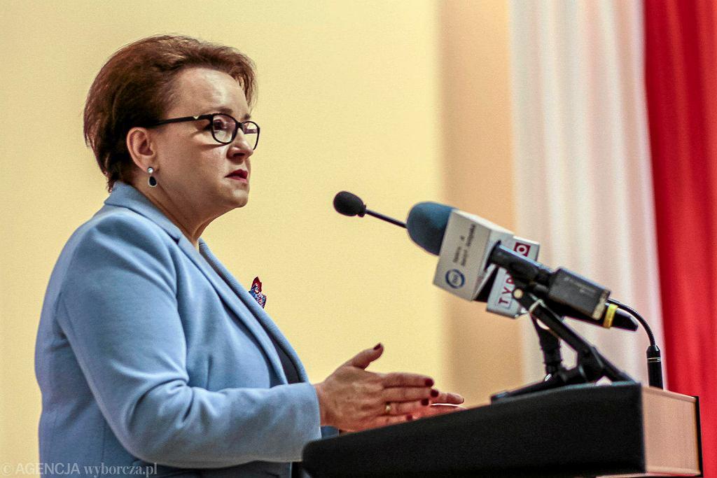Kielce, 12 marca 2018 roku. Minister Edukacji Narodowej Anna Zalewska podczas konferencji 'Edukacja dla zdrowia' w Świętokrzyskim Urzędzie Wojewódzkim