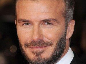 Jak David Beckham wygl�da lepiej?