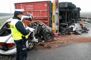 Kierowca tira wsp�winny wypadku na A1 pod W�oc�awkiem?