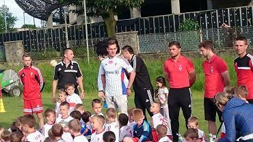 Arkadiusz Milik i młodzi piłkarze Górnika Zabrze