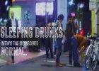 """Mocna kampania spo�eczna w Japonii: tysi�ce pijanych """"bia�ych ko�nierzyk�w"""" sta�o si� �ywymi billboardami. Powinni si� wstydzi�?"""