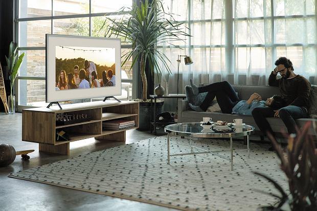 Ciesz się rozrywką na najwyższym poziomie dzięki funkcjom smart i wspaniałej jakości obrazu w Samsung  QLED Smart TV