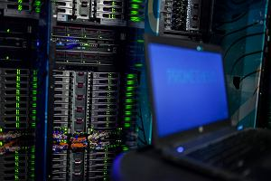 GIODO kontra Ministerstwo Cyfryzacji. W tle afera z wyciekiem danych osobowych.  25 komorników pobierało bezprawnie dane PESEL