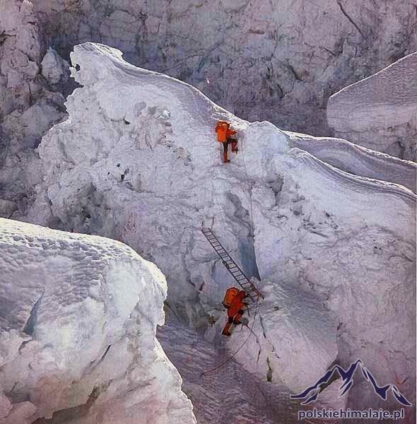 Zdjęcie numer 4 w galerii - 35 lat temu Polacy jako pierwsi zdobyli zimą Mount Everest