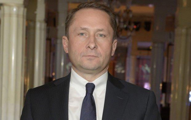 Kamil Durczok wyda� o�wiadczenie: Trwa bezprecedensowy atak tygodnika 'Wprost' na moj� osob�. Postanowi�em podj�� zdecydowane dzia�ania