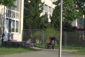 Sadowski: bezpłatna edukacja w Polsce to fikcja; koszt wyprawki to 800 zł