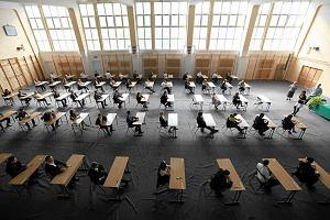 Egzamin gimnazjalny 2018. Niespodzianek nie ma, gimnazjaliści przejmują Twittera