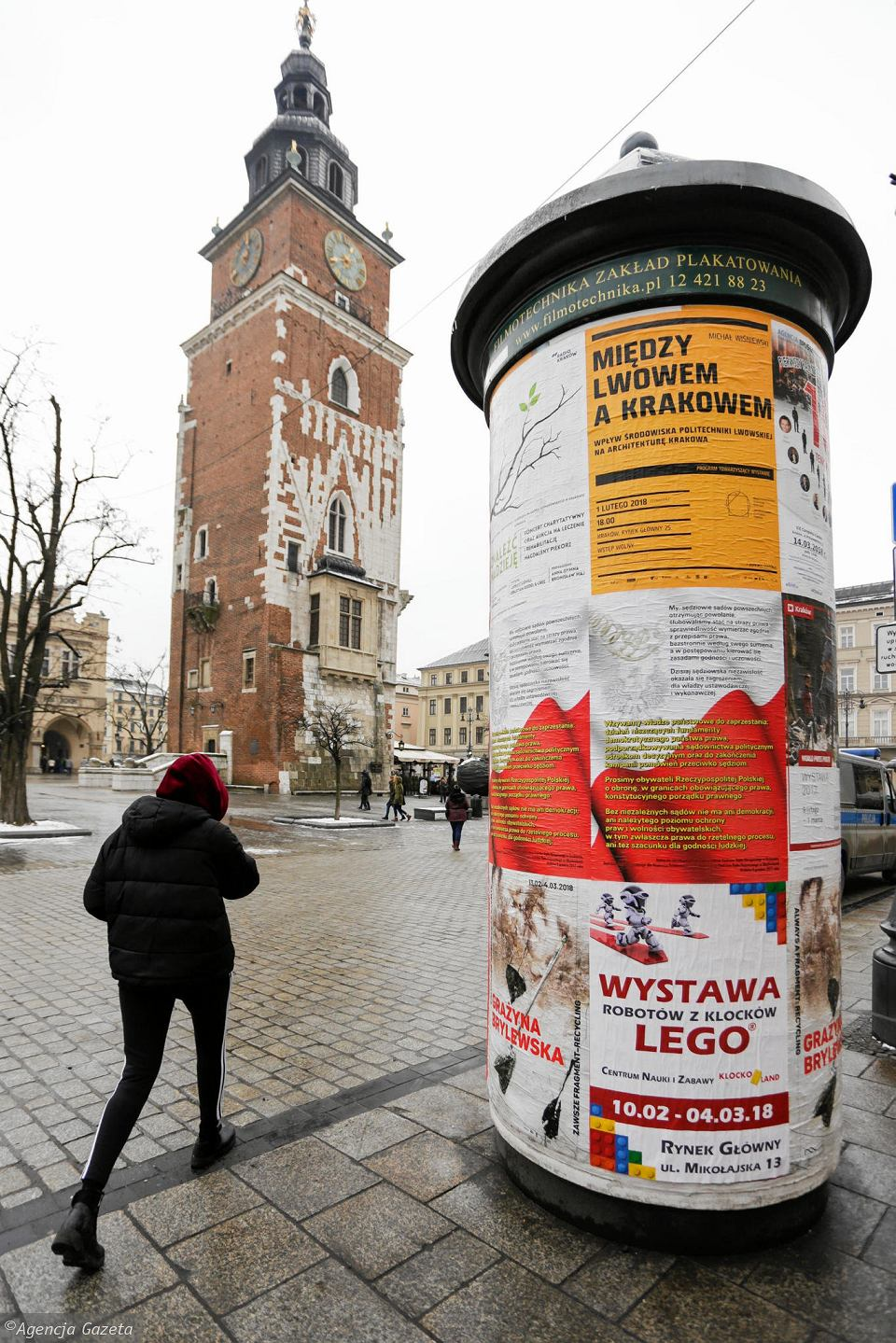 Nowa Władza Usunęła Plakaty Z Sądu Teraz Te Zawisły W Całym