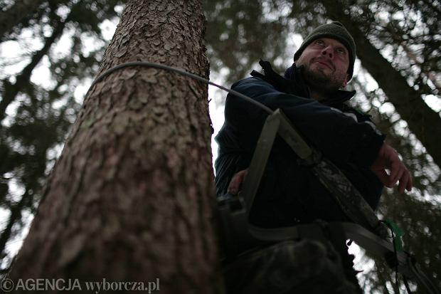 Adam Wajrak w obozie broniących Doliny Rospudy, 19 luty 2006