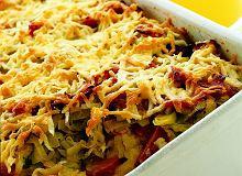 Zapiekanka z ziemniaków, porów i kiełbasy - ugotuj