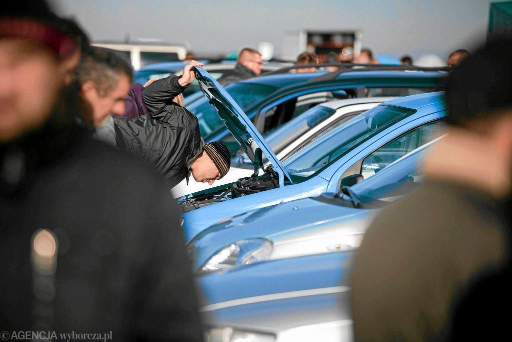 Numer VIN służy do identyfikacji samochodu. Co zrobić, gdy zostanie uszkodzony?