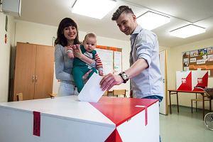 Wybory 2015 Warszawa. Nie dzia�a system wydawania za�wiadcze� do g�osowania