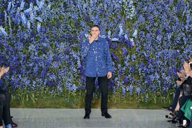 Raf Simons opuszcza dom mody Christian Dior. Co jest powodem zaskakującej decyzji?